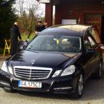 Audi - czarny karawan pogrzebowy