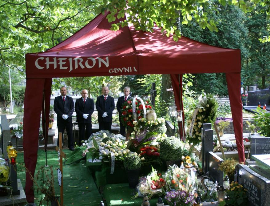 Pracownicy na pogrzebie - Zakład pogrzebowy w Gdyni